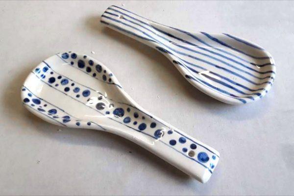 Posa Cucharón de cerámica artesanal GEA 15,5 x 26,5 x 3 cm