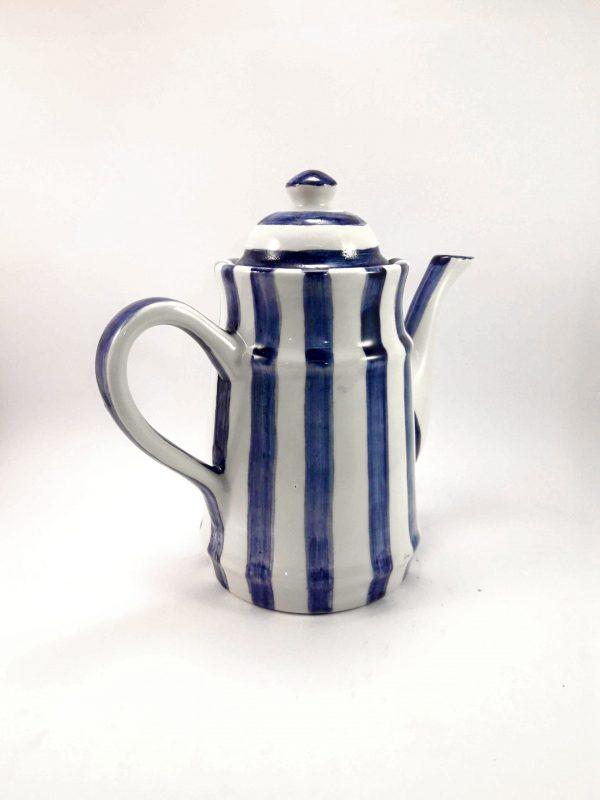 Cafetera de GEA cerámica artesanal.