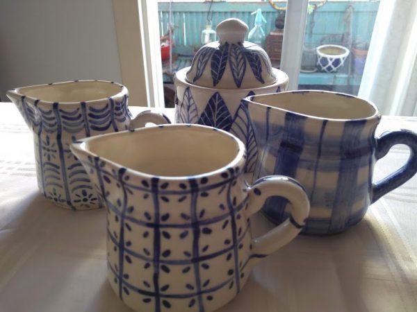 Lechera de cerámica artesanal GEA