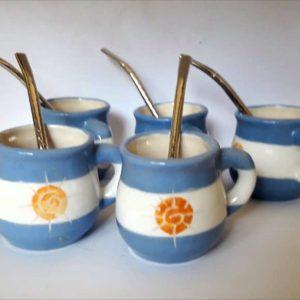 Mate argentino con asa de cerámica artesanal